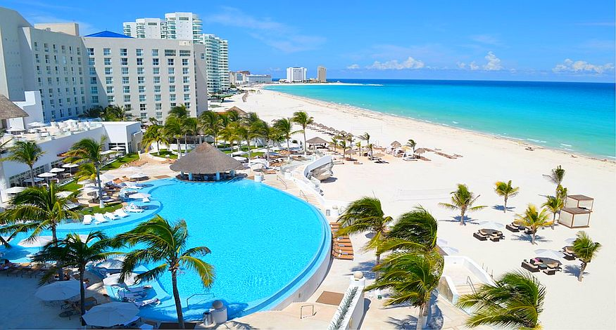 on our list of Best All Inclusive resorts in Cancun is Le Blanc Spa Resort