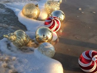 Baubles-beach